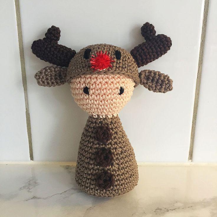 """Hej! Julen börjar närma sig och jag har därför gjort dessa små """"gubbar"""" som ska få agera lite dekoration hos oss på bordet eller liknande. Det är ett långt mönster då jag publicerar all…"""