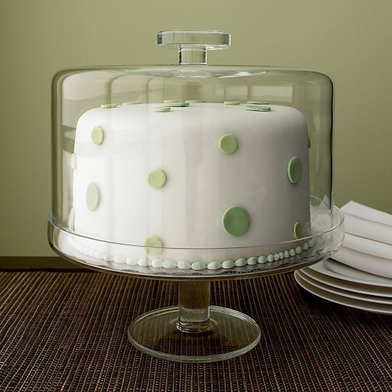 A reader recently expressed her frustration with the available selection of ugly, plastic cake keepers