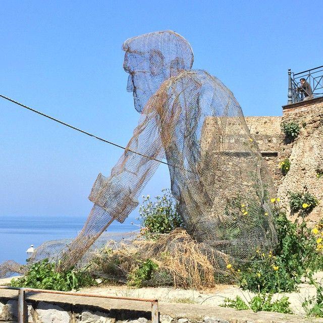 #oldmanandthesea #sculpture #muramurafestival #pizzo #edoardotresoldi