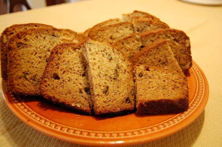 ... pretty well: http://allrecipes.com/recipe/janets-rich-banana-bread