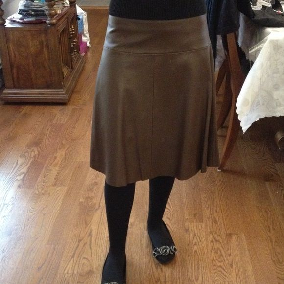 100% leather Bcbgmaxazria skirt Lower price!! Leather is in very good condition. Full skirt. Brown BCBGMaxAzria Skirts A-Line or Full