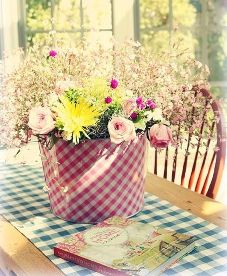 Love the gingham and flowers