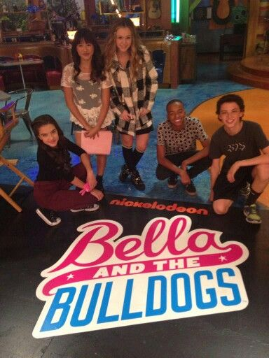 Bella and the bulldogs sign!