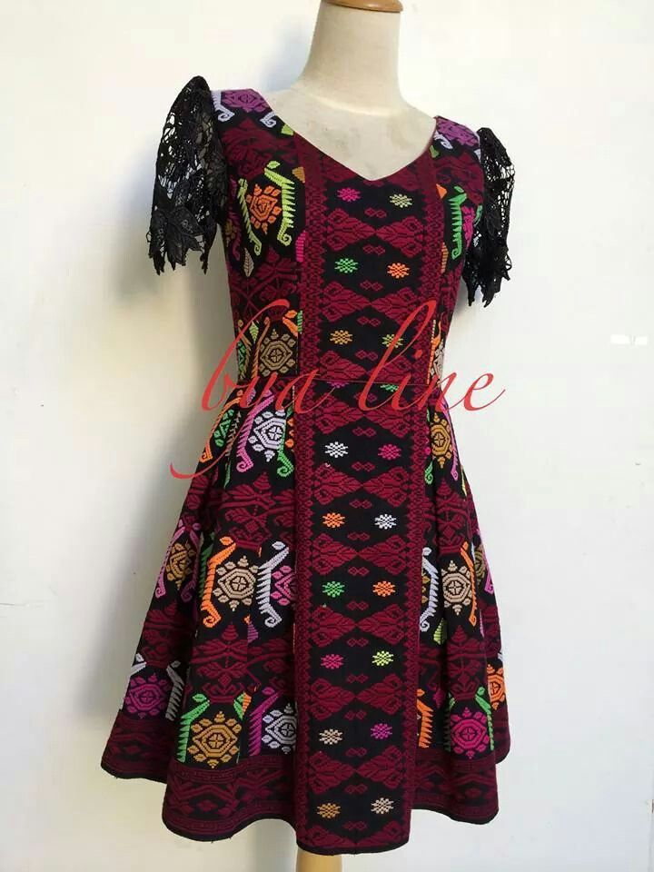 Nice idea for an evening dress.. Hmmm... Tenun Buna will be best!! :)