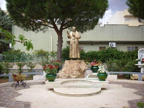 San Pio da Pietrelcina, ogi la Chiesa cattolica ricorda uno dei santi più amati dagli italiani - http://www.grottaglieinrete.it/it/san-pio-da-pietrelcina-ogi-la-chiesa-cattolica-ricorda-uno-dei-santi-piu-amati-dagli-italiani/ -   Padre Pio, Pietrelcina, San Pio - #PadrePio, #Pietrelcina, #SanPio