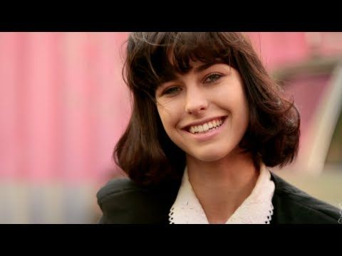 """Kimbra (Featuring Sam Lawrence) """"Wandering Limbs"""" Live - Sideshow Alley"""