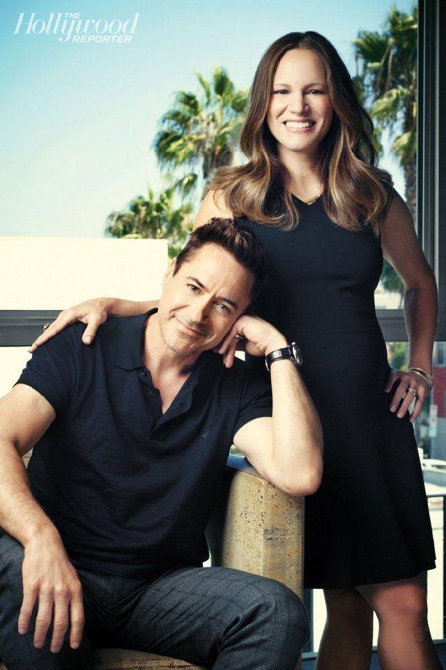 Роберт Дауни-мл. с женой Сьюзен: эксклюзивные портреты супружеской пары в их офисе. Партнеры – как в жизни, так и в съемках кино и ТВ – позируют для THR в штаб-квартире своей компании Team Downey в Калифорнии.