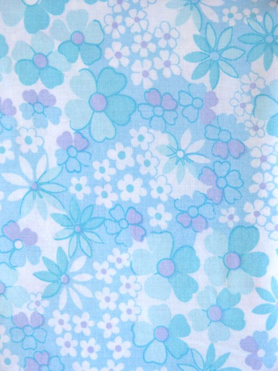 mod style pastel blue daisy flower print cotton fabric twin single bed flat sheet french 60s 70s vintage drap plat lit simple coton motif fleurs mod pop