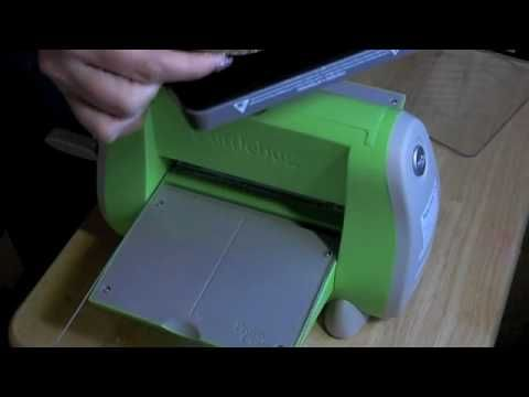 A video showing how to use the Sizzix Bigz dies with the CuttleBug machine. my blog: http://prairiepaperandink.typepad.com/amyr/