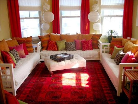 Sala color rojo intenso