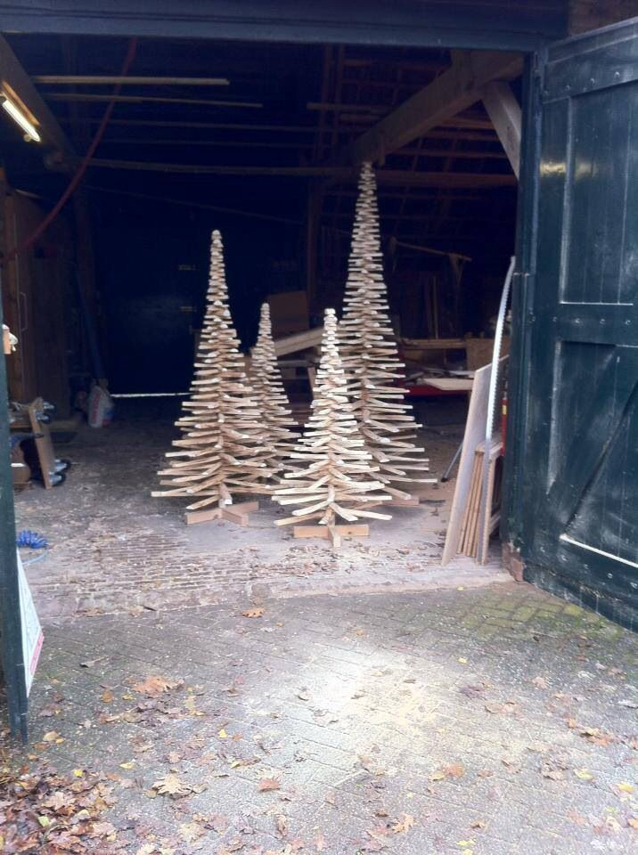 Houten kerstboom. Wooden Christmas tree Produced by Onthout