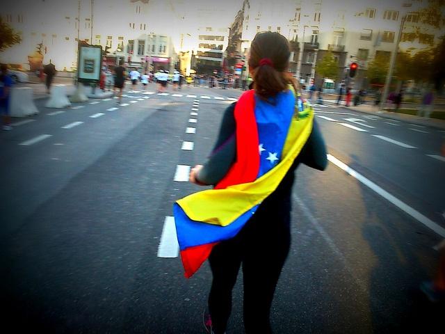 Running for Venezuela by kozusnik.eu, via Flickr