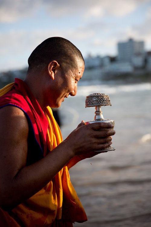 gyuto-monks-bondi-2016 photography by chantelle coutinho for lightroomdarkroom