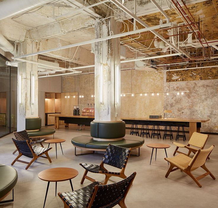 Side-by-side, yet wholly distinct, two new hotels are cementing the buzz of Chicago's Wicker Park and Bucktown neighbourhoods. The Robey and The Hollander, the second and third stateside properties from Mexico-based Grupo Habita, are located far away f...