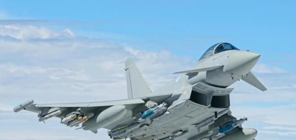 Britain is offering the Eurofighter Typhoon aircraft to Belgium as a possible replacement for the F-16s now flown by the Belgian Air Force.