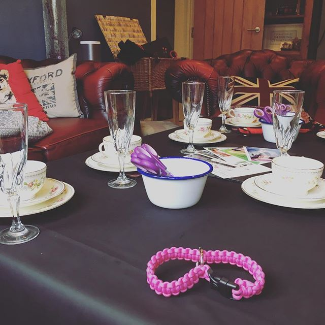 Loving the contrast between the black and silky #sheetsofsanfrancisco #funsheet with vintage cups and saucers. Oh and of course our luxury hamper is in the background! All ready for our Afternoon Tease event today making handcuffs and floggers. Fancy coming? Next one is 10th December! #afternoontea #kink #kinkcraft #vintage #tea #cake #scones #craft #makeyourown #hamper #luxury #knickerrockerglory #fizz #champagne #cava #prosecco #essex