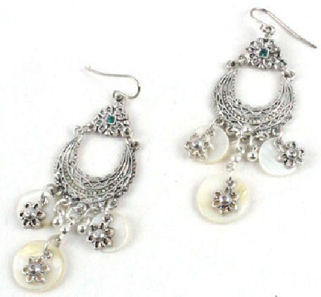 Mother of pearls earrings.  Only for Pinterest fans at $5!    $5Pinterest Fans, Mothers Of Pearls, Pearls Earrings