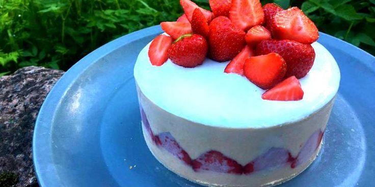 Raparperi-mansikka-fraisier - tässä hieman haastavampi resepti