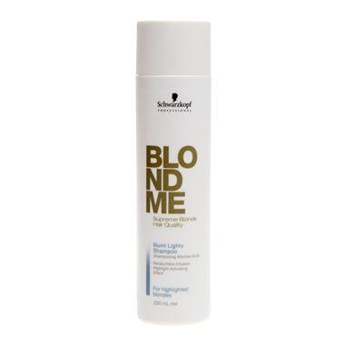 Schwarzkopf Blondme Illumi Lights Shampoo promove a limpeza dos fios e deposita queratina e extrato de seda nos cabelos. Repara o interior do cabelo, proporcionando força, elasticidade e vitalidade. Deixa as mechas louras extremamente tratadas.