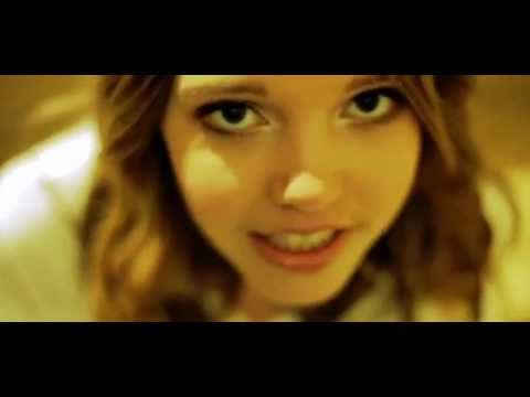 "Dein Song 2013 Lina + Mia ""Freakin' Out"" - YouTube"