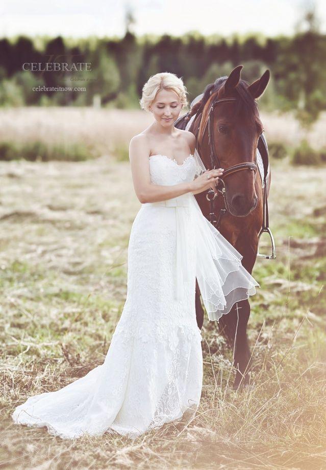 Портрет невесты с лошадью | Celebrate It