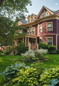 Our fav inn ever - The Berry Manor Inn is located in a quiet, residential historic neighborhood in Rockland, Maine. Enjoy being within walking distance to the harbor, shops, museums and restaurants. #rockland #mainegetaways