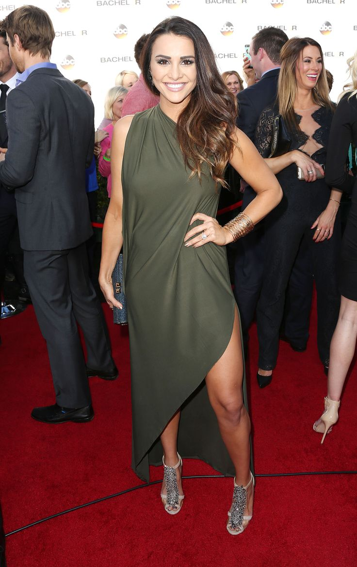 Andi Dorfman's Dress to the Bachelor Premiere Cost HOW Much? If we didn't have enough reasons to be completely obsessed with former Bachelorette Andi Dorfman, get ready to hear another. Andi couldn't find a dress she liked for the live premiere of The Bachelor Monday night, so she took matters into her own hands: She made a dress herself.
