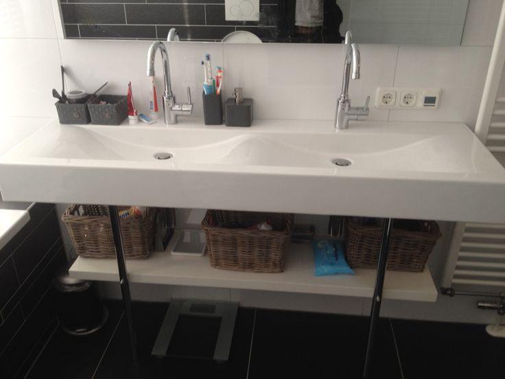 Mooie badkamerkast badkamer ontwerp idee n voor uw huis samen met meubels die het - Exotisch onder wastafel houten meubilair ...