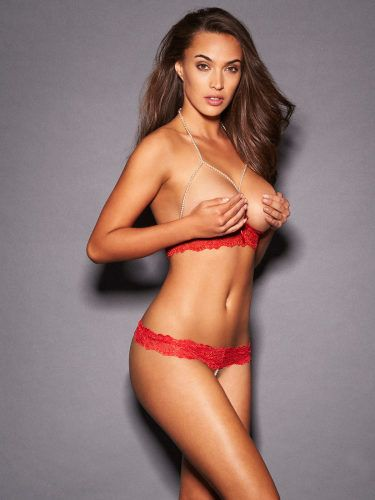 e81c7f1aaeca0 The luxurious Tatiana Pearl Lace Bra Set from Frederick s of Hollywood is  perfect for nights of