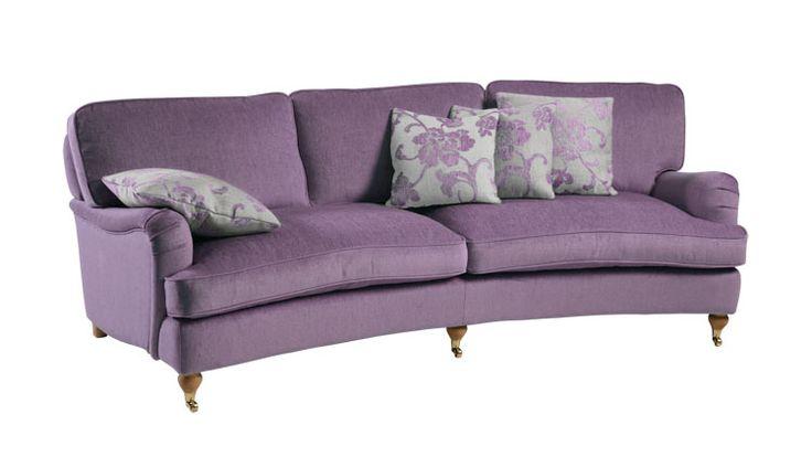 andrew sohva #kruunukaluste #ainain #homedeco #scandinavianhomes #interior #inspiration #interiordesign #homeinspiration #sisustus #sisustusinspiraatio #sisustusidea #livingroom #violet #brodenaandersson