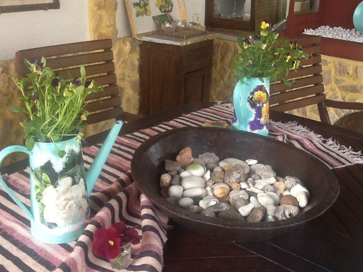 Κανατάκια ντεκουπαζ στον πανέμορφο κήπο της Δήμητρας