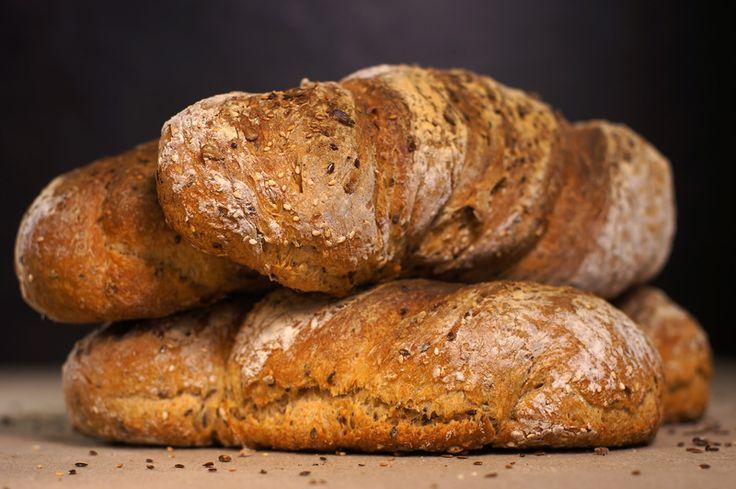 Еще один швейцарский хлеб - деревенский витой хлеб. Он великолепен! Его форма, хрустящая корка, аромат поджаренных семян, чудесный мякиш кремого цвета и аромат -…
