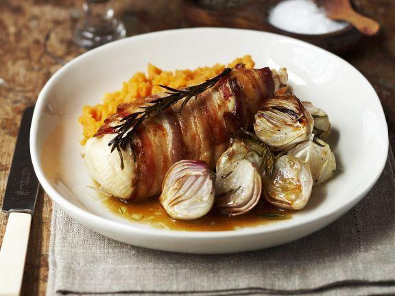 Hähnchenfilet mit Bacon umwickelt ist ein Rezept mit frischen Zutaten aus der Kategorie Hähnchen. Probieren Sie dieses und weitere Rezepte von EAT SMARTER!