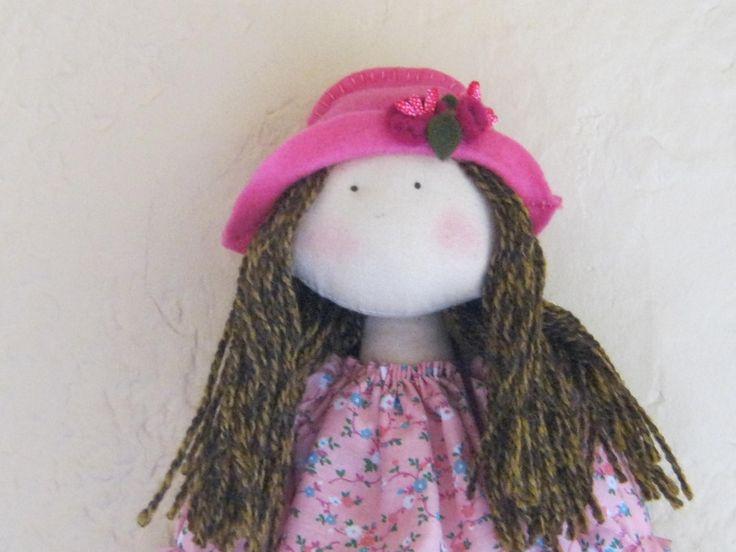 Detalle muñeca Paola