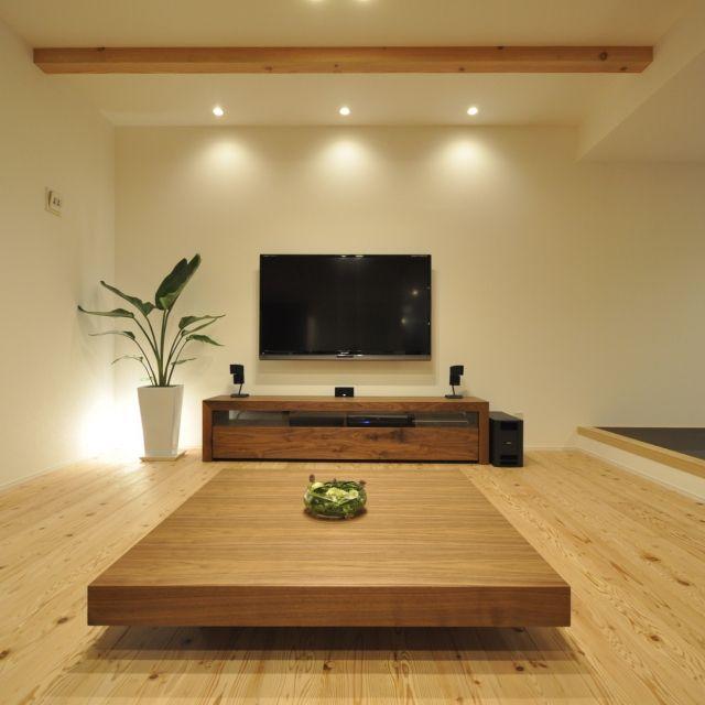 yuuuuuriさんの、照明,テレビ,リビング,スピーカー,LED,BOSE,シャープ,広松木工,壁掛けテレビ,自然素材,杉の床,広松木工TVボード,60型テレビ,広松木工ローテーブル,のお部屋写真