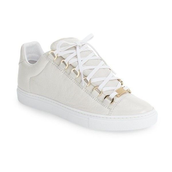 Women's Balenciaga Low Top Sneaker ($495) ❤ liked on Polyvore featuring shoes, sneakers, white, polish shoes, balenciaga trainers, white low tops, white sneakers and white low top sneakers