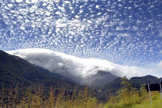 """""""Céu, montanhas e nuvens"""", by Ricardo de Alvarenga Ferreira"""