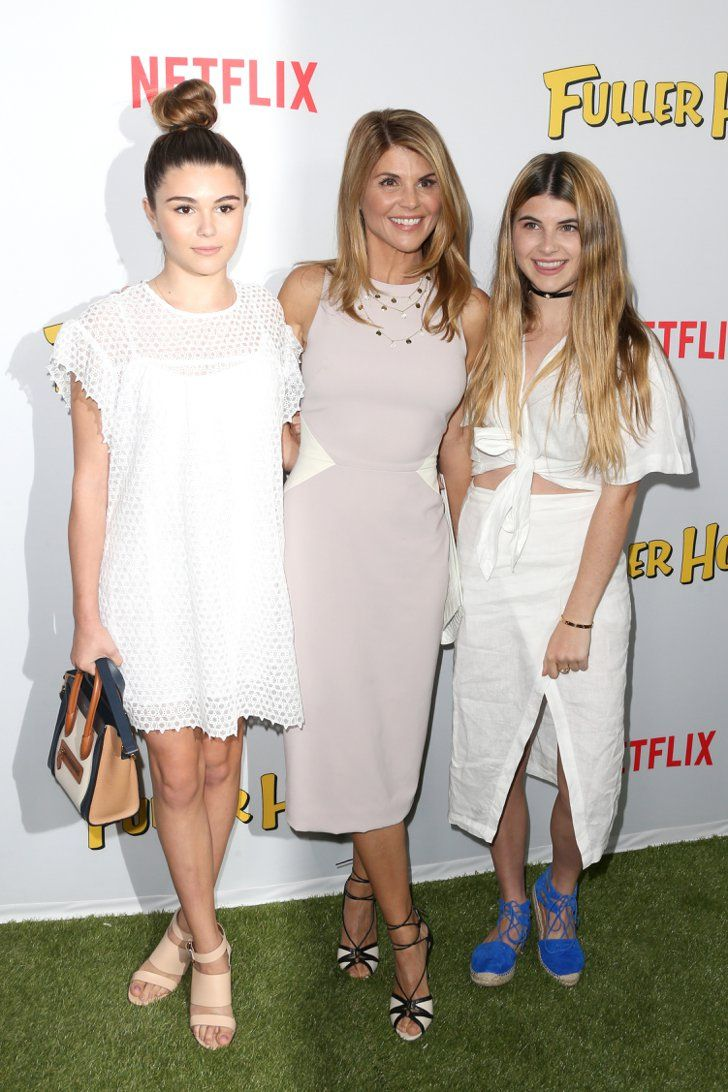 Pin for Later: The Cast of Fuller House Shuts It Down at Their LA Premiere  Pictured: Lori Loughlin