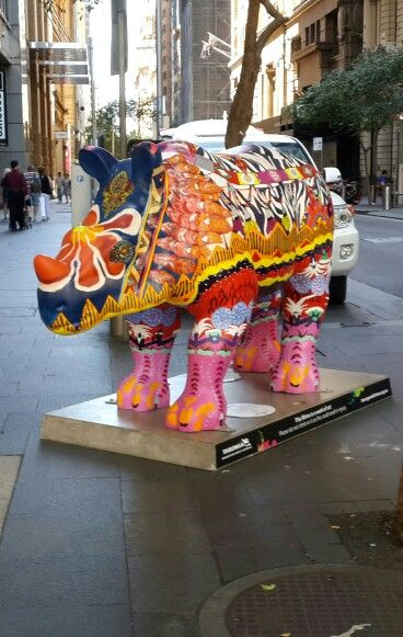 Toronga Wild Rhinos Artists Program is a nice surprise if you visit Sydney before the 28th of April.The rhinos will create a trail from Sydney to Dubbo and surrounds from 2nd February to 28th April. I almost bumped into this one while crossing the street