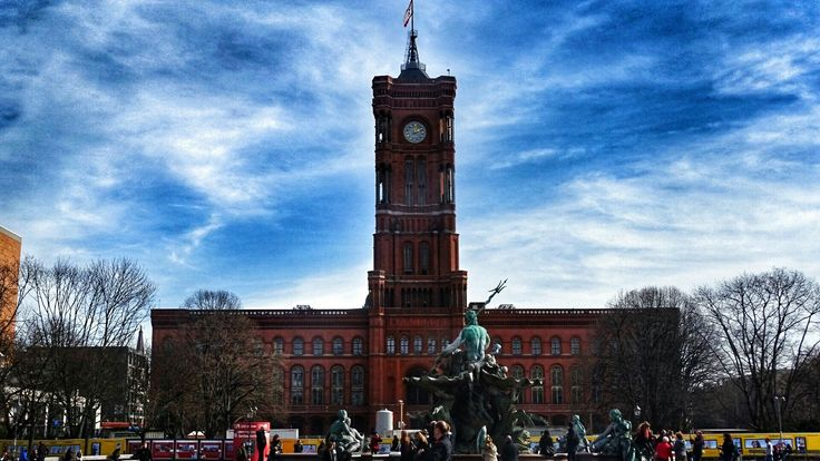 #redcityhall#Berlin#alexandreplatz#traveltheworld#discoverplaces#walknshoot#picoftheday#lovephotoshooting