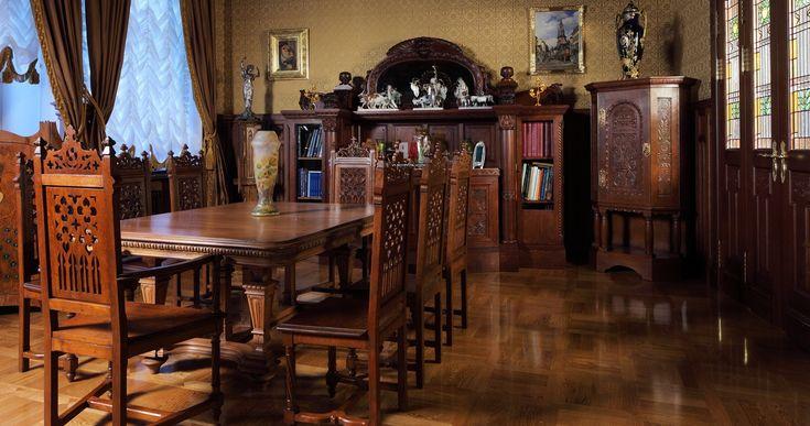 Картинки по запросу антикварная мебель фото