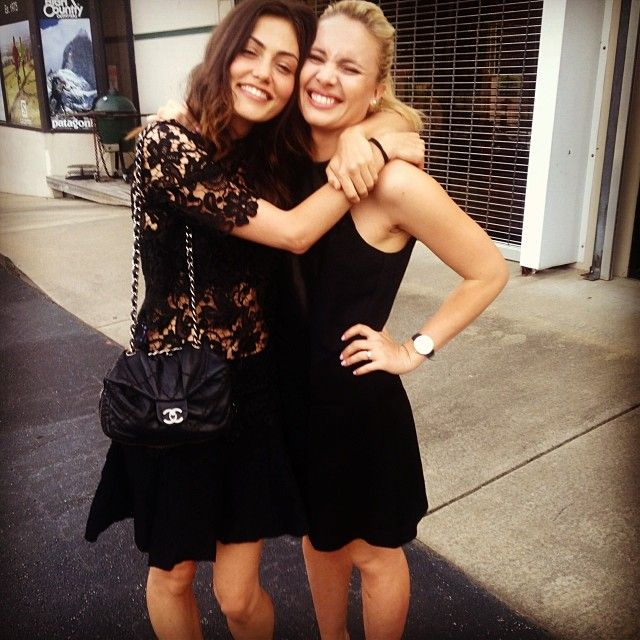 Phoebe Tonkin and Leah Pipes