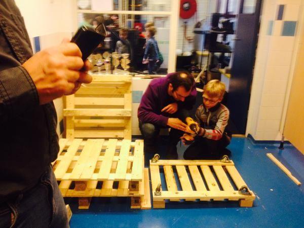 obs #DeRietgors Leerlingen maken eigen hun producten bij #archipelprimair