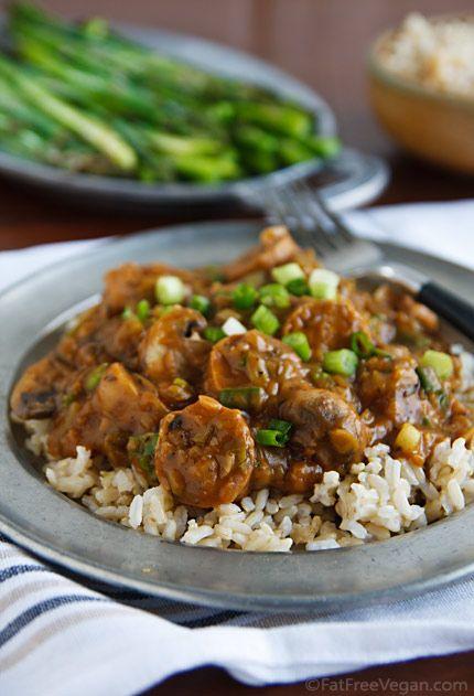 Vegan Sausage and Mushroom EtoufeeTasty Recipe, Orleans Food, Mushrooms Etoufee, Vegan Meat Recipe, Vegan Sausage, Etoufe Vegan, Vegan Recipe, Vegan Healthy Sausage, Vegan Mushrooms Recipe