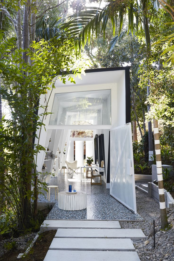 Our brief was to design a small office space in a subtropical garden. Rather than starting with an office design, we began thinking about a shack in the landscape. Shacks are often remote and they are small because they are inhabited occasionally. In the cold, a shack is to retain warmth and protect from the …