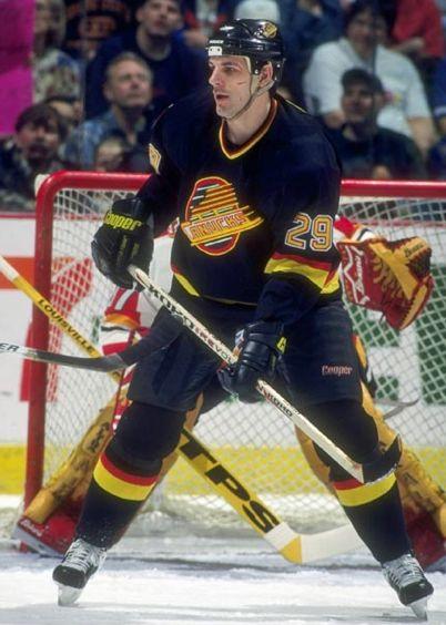 Gino Odjick (Canucks de Vancouver)
