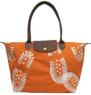 low-priced Longchamp Footprint Stampa Bags Orange deal online, save up to 90% off hunting for limited offer, no duty and free shipping. #handbags #design #totebag #fashionbag #shoppingbag #womenbag #womensfashion #luxurydesign #luxurybag #luxurylifestyle #handbagsale #longchamp #totebag #shoppingbag