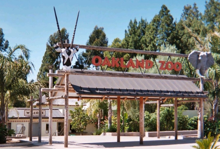 Picture of Zoo Entrance | File:Oakland Zoo Entrance (2004).jpg - Wikimedia Commons