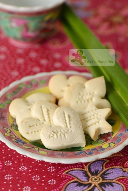 Kueh Kuih Bangkit Melt-in-the-Mouth Coconut Cookies