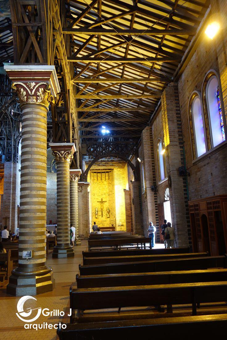 Catedral de Nuestra Señora de la Pobreza. Nave lateral.